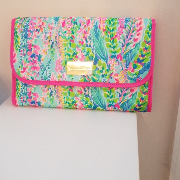 56df9f0d1e Lilly Pulitzer Travel Cosmetic Bag